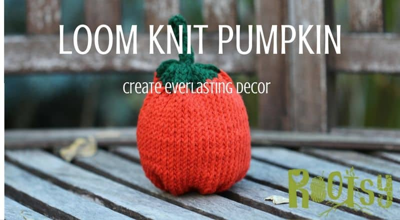 Learn how to loom knit using this cute loom knit pumpkin pattern! Make an entire loom knit pumpkin patch with this step by step tutorial that's great for beginners. Rootsy.org