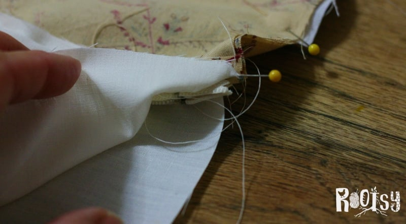 photo of making lined zippered pouch