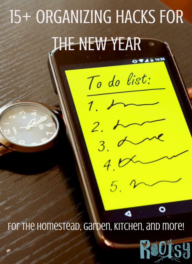 Life gets hectic. It gets stressful, and it gets cluttered. But it doesn't have to be with these Organizing Hacks for the New Year! Rootsy.org