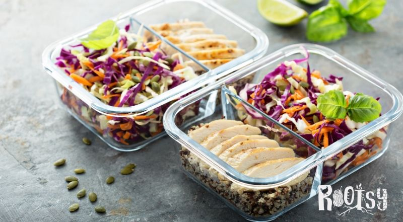 image of packed lunches in glass containers
