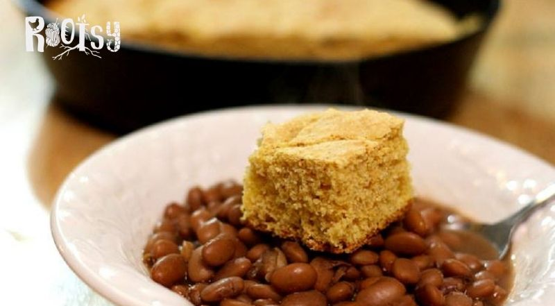 image of bowl of pinto beans and cornbread